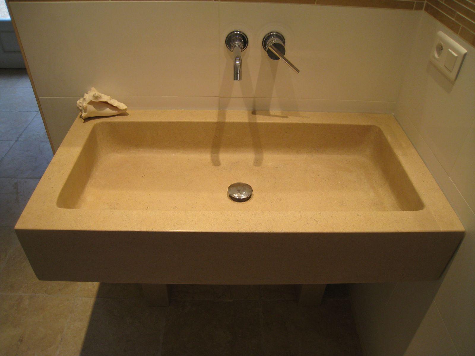 vasque de salle de bain sur mesure en pierre naturelle à