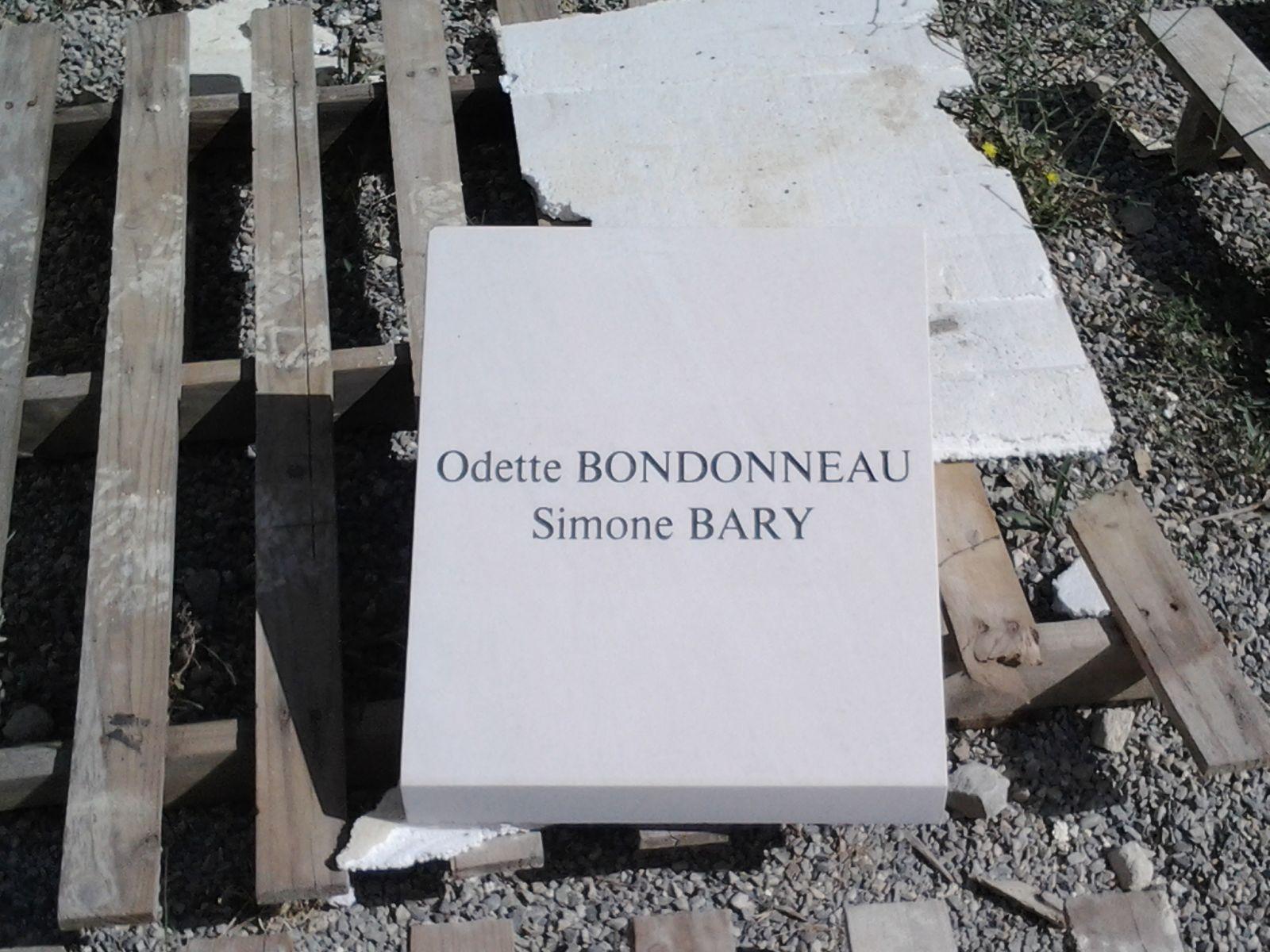 fabriquant de monuments fun raires en pierre rognes. Black Bedroom Furniture Sets. Home Design Ideas