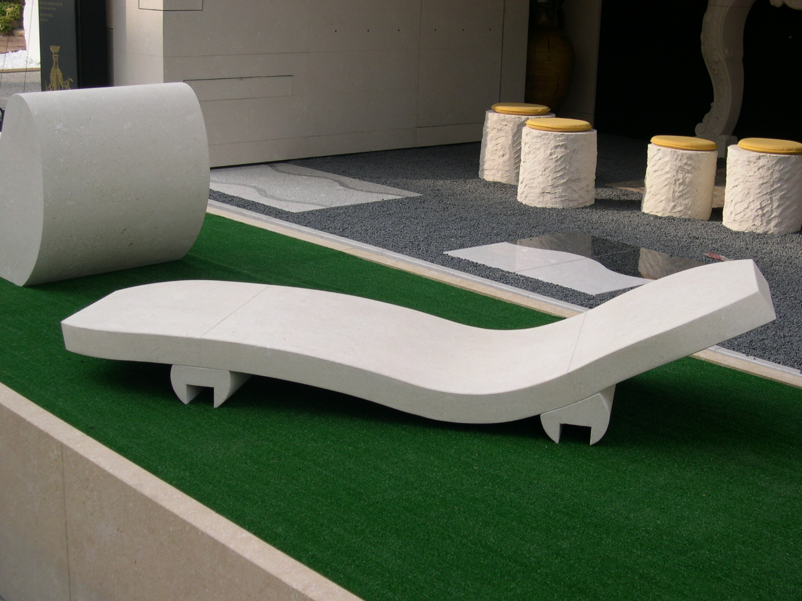 mobilier de jardin en pierre naturelle a lambesc tailleur de pierres marseiile d coration. Black Bedroom Furniture Sets. Home Design Ideas