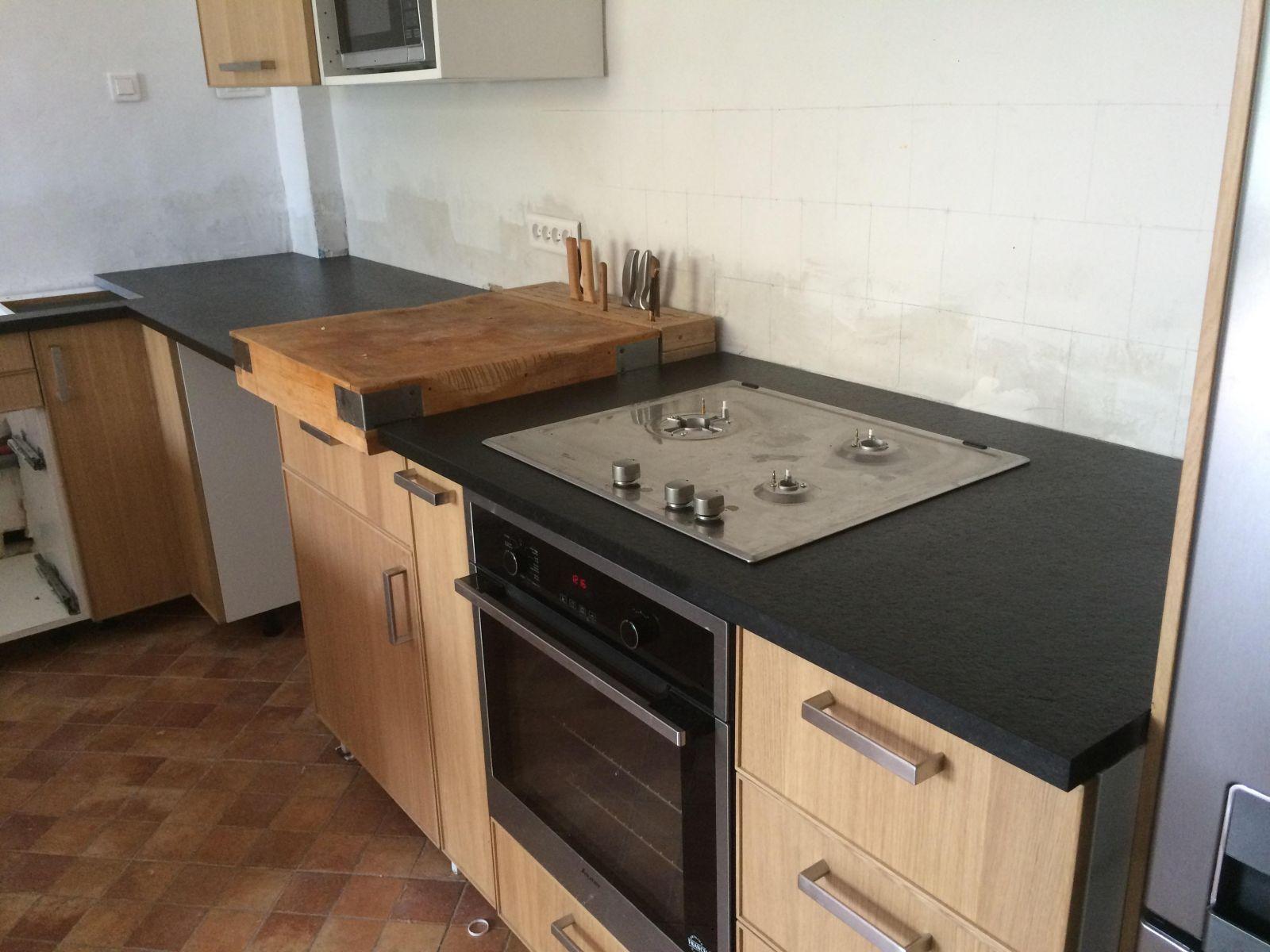 Plan De Travail De Cuisine Sur Mesure En Granit Noir A Salon De