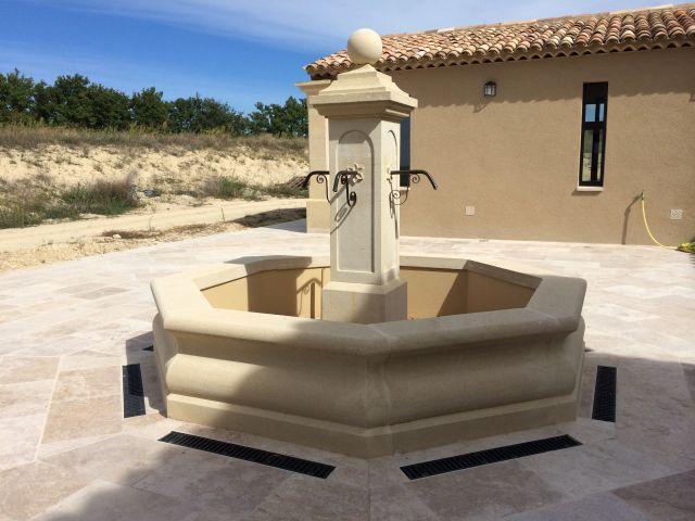 vente de bassin et fontaines ancien salon de provence d coration proven ale pierres de rognes. Black Bedroom Furniture Sets. Home Design Ideas